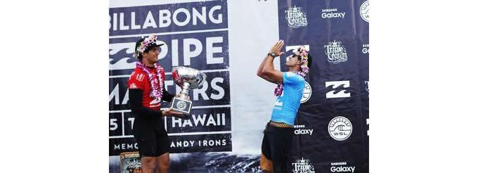 e4cbffd062 Para aumentar a dramaticidade do dia que Adriano de Souza conquistou o  segundo título mundial consecutivo do Brasil no Samsung Galaxy World Surf  League ...